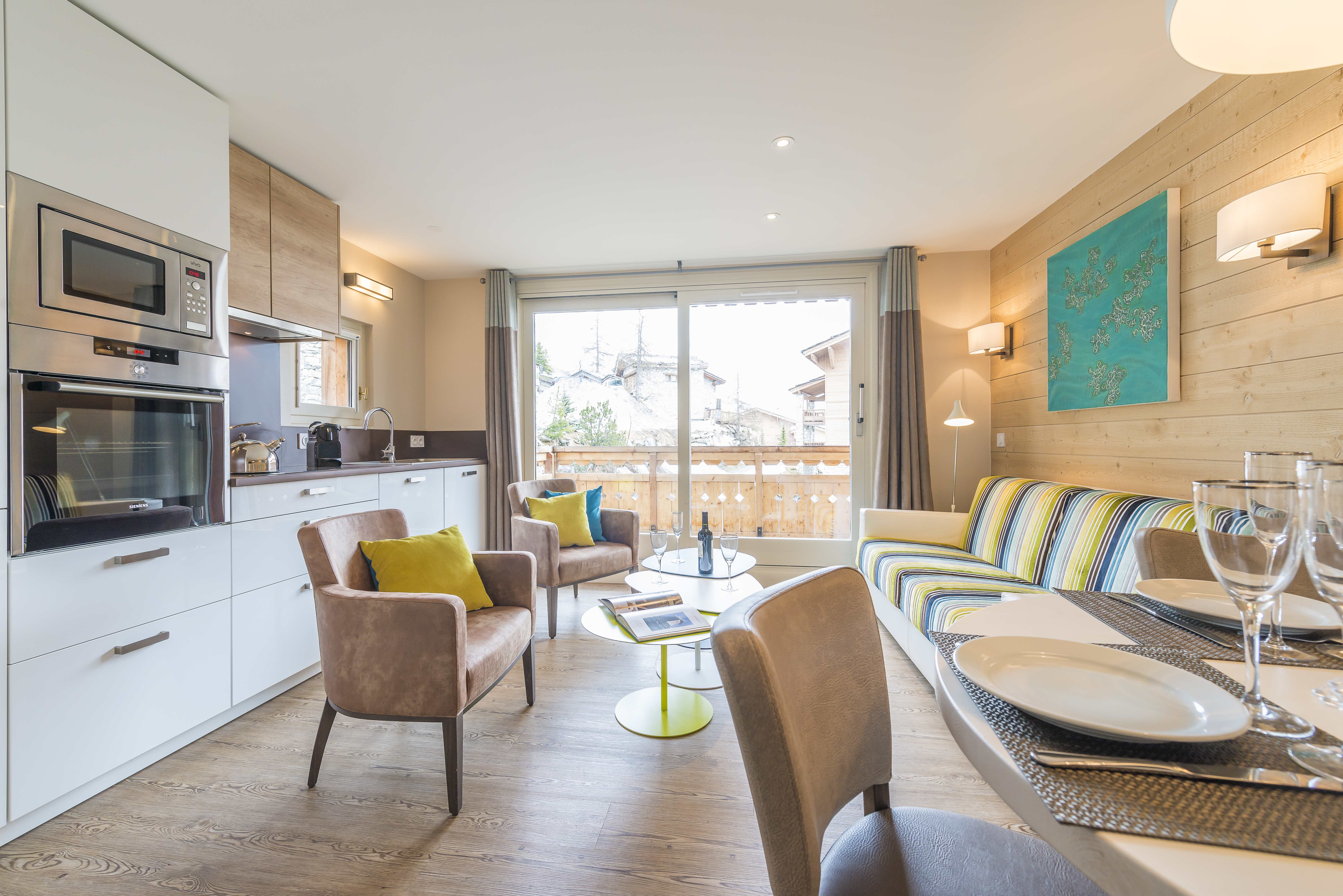 Living room 323